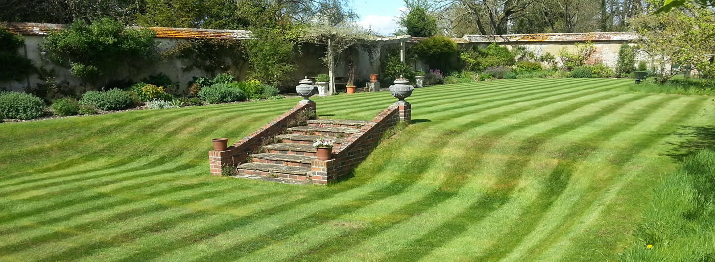 garden landscaping in Dorset, Wiltshire and Hampshire